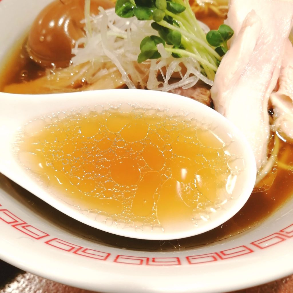 高円寺ラーメン「六九麺」鶏香 醤油六九麺・スープ