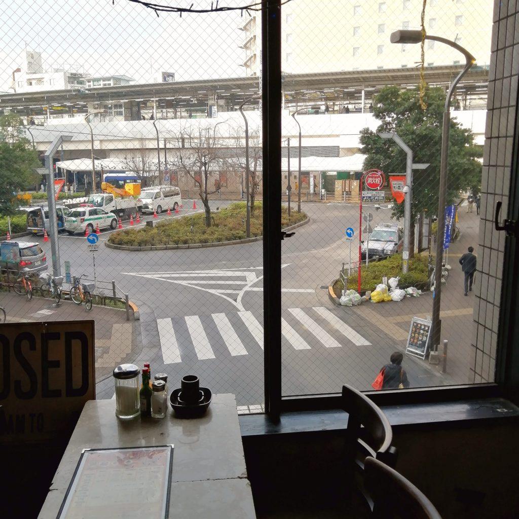 高円寺駅前カフェ「Yonchome Cafe」駅前景観