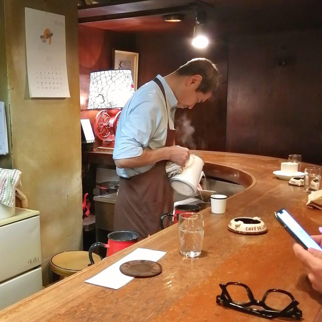 銀座コーヒー「カフェドランブル」カウンター