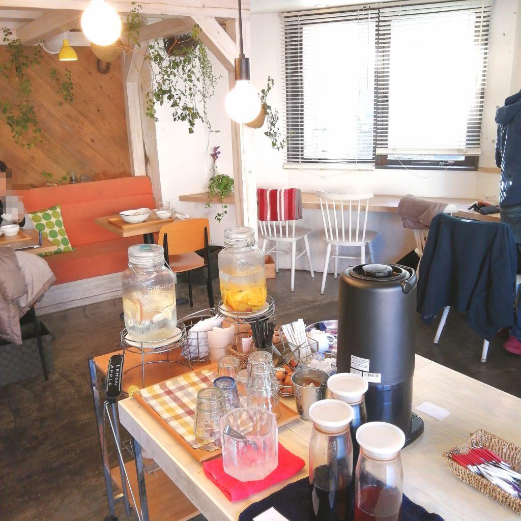 新高円寺カフェ「ライトサイドカフェ」店内