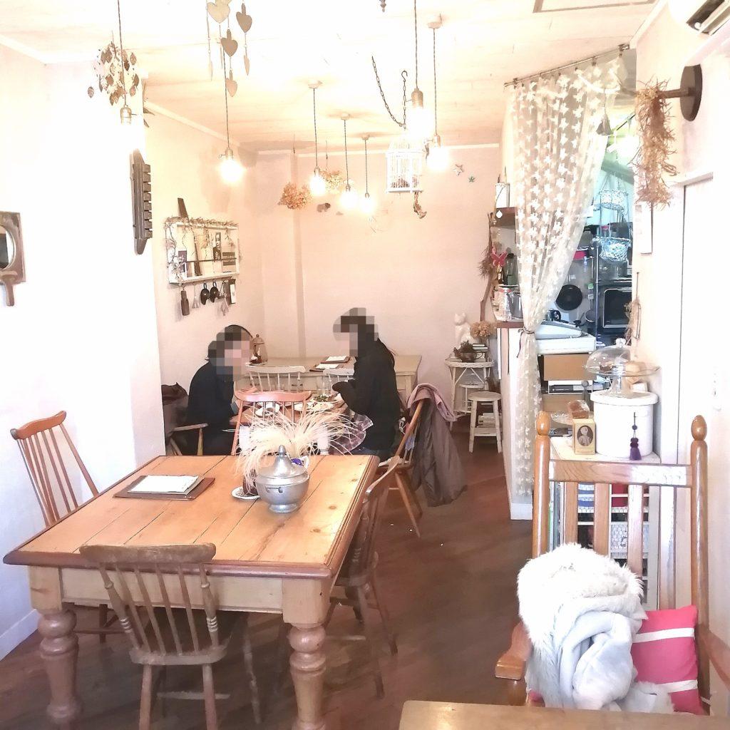新高円寺カフェ「分福」店内