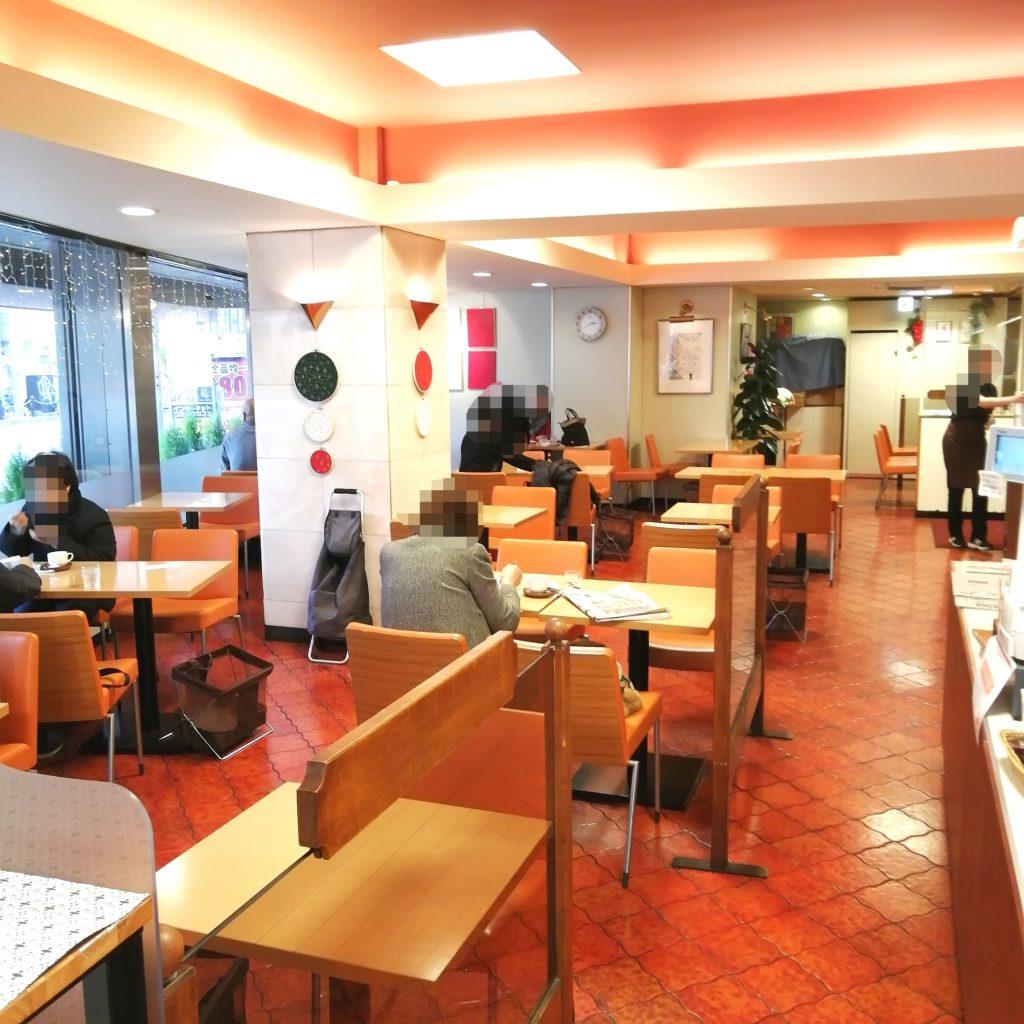 高円寺駅前喫茶店「トリアノン」喫茶スペース