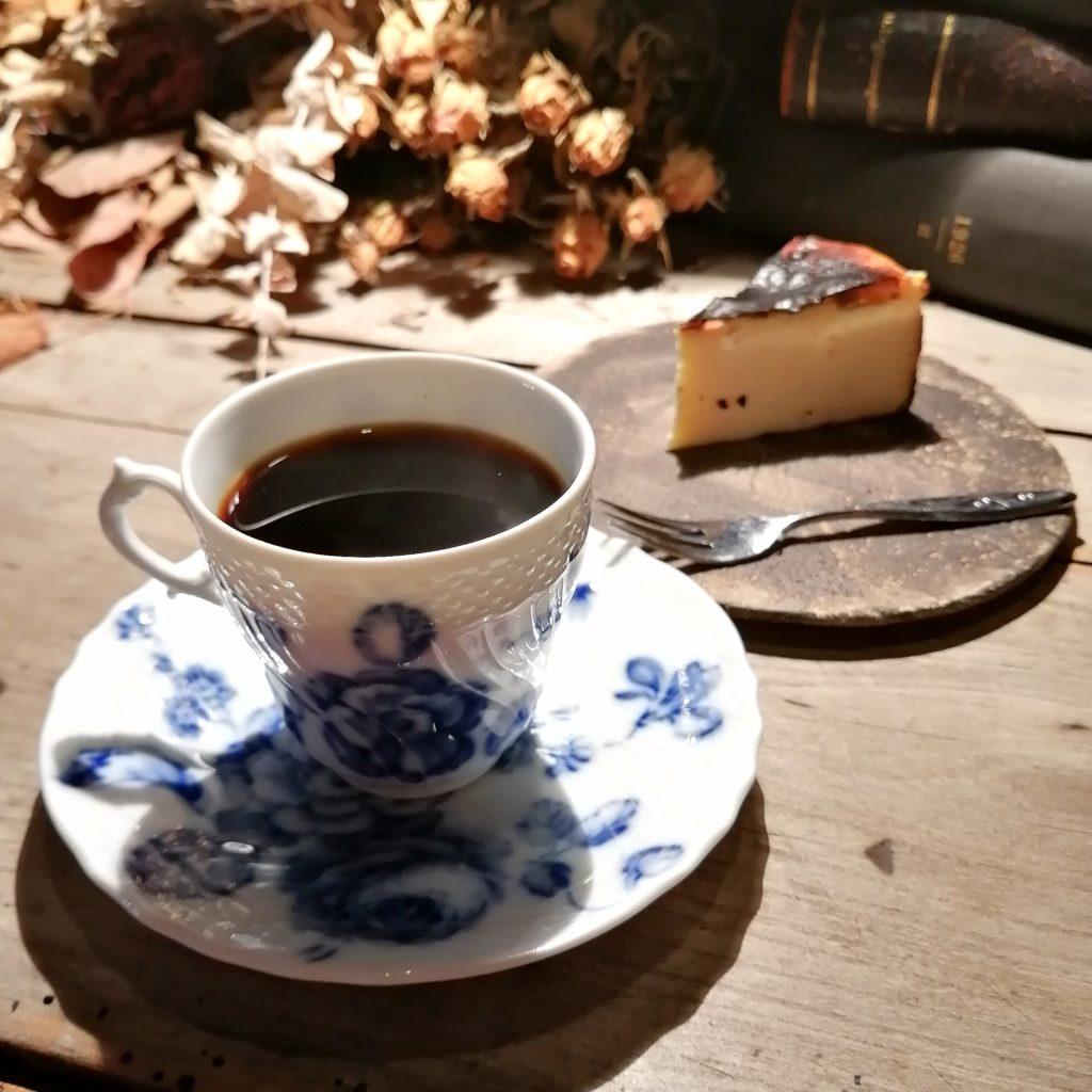山口コーヒー「sonoda coffee」イブラヒムモカ・デミタスとバスクチーズケーキ