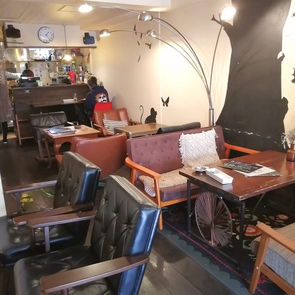 新高円寺カフェ「honohono cafe」店内・1階