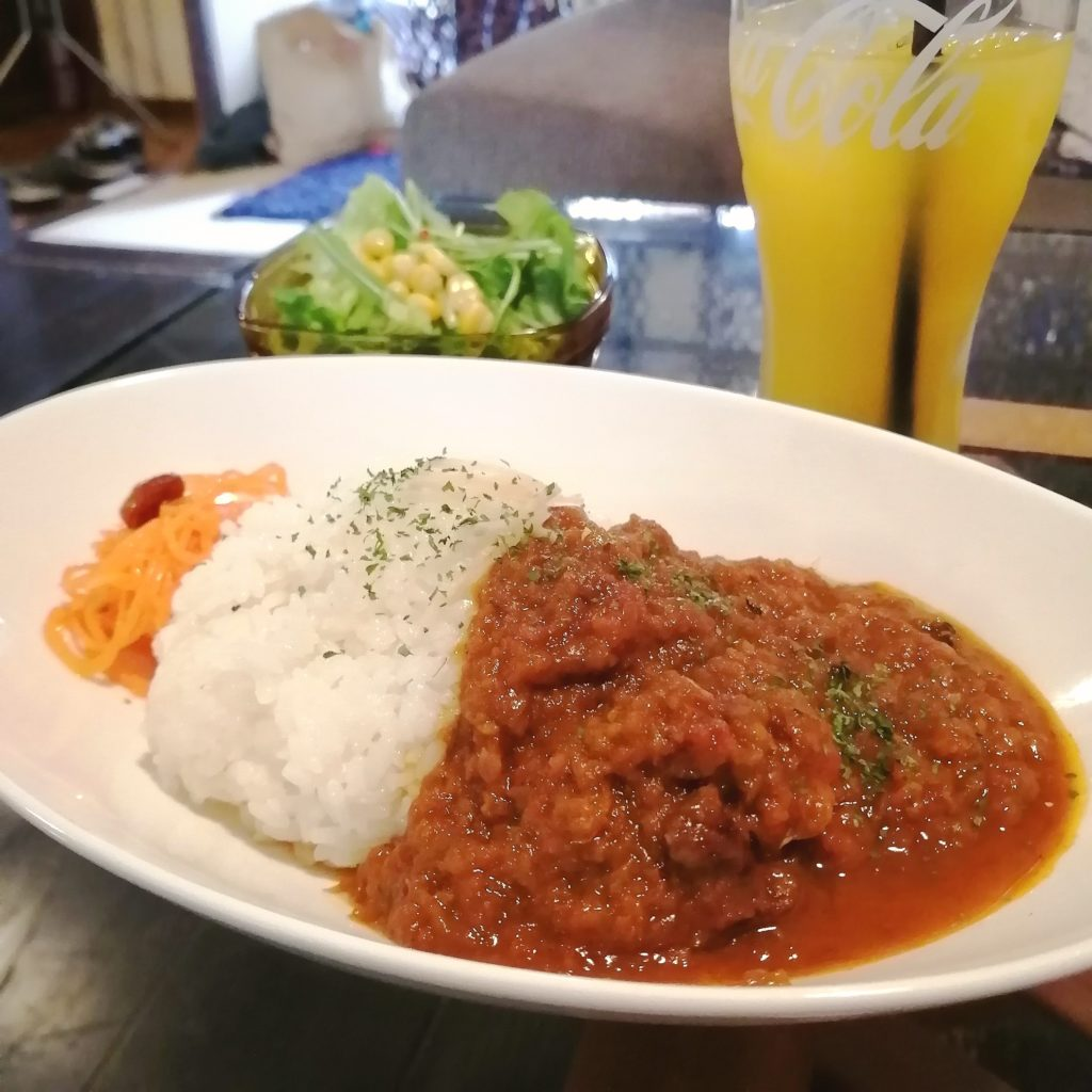 新高円寺カフェ「honohono cafe」スパイシージンジャーチキンカレーセット