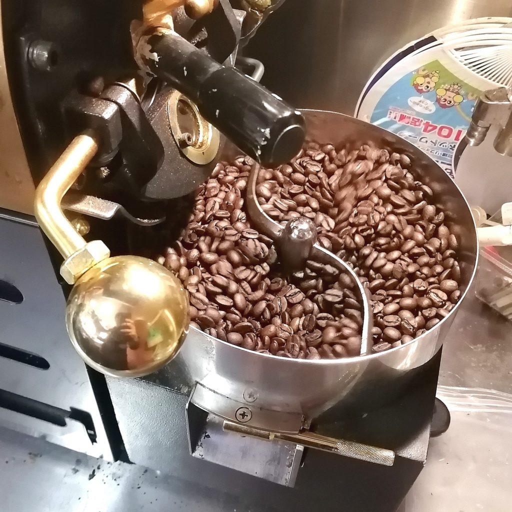 コーヒー焙煎「繁田珈琲焙煎倶楽部」焙煎後冷却
