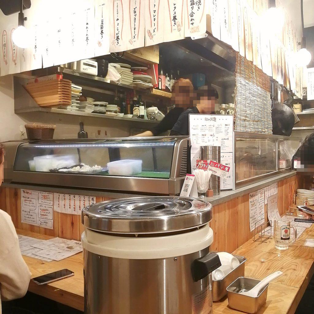 高円寺肉料理「肉巻屋串衛門」店内・カウンター