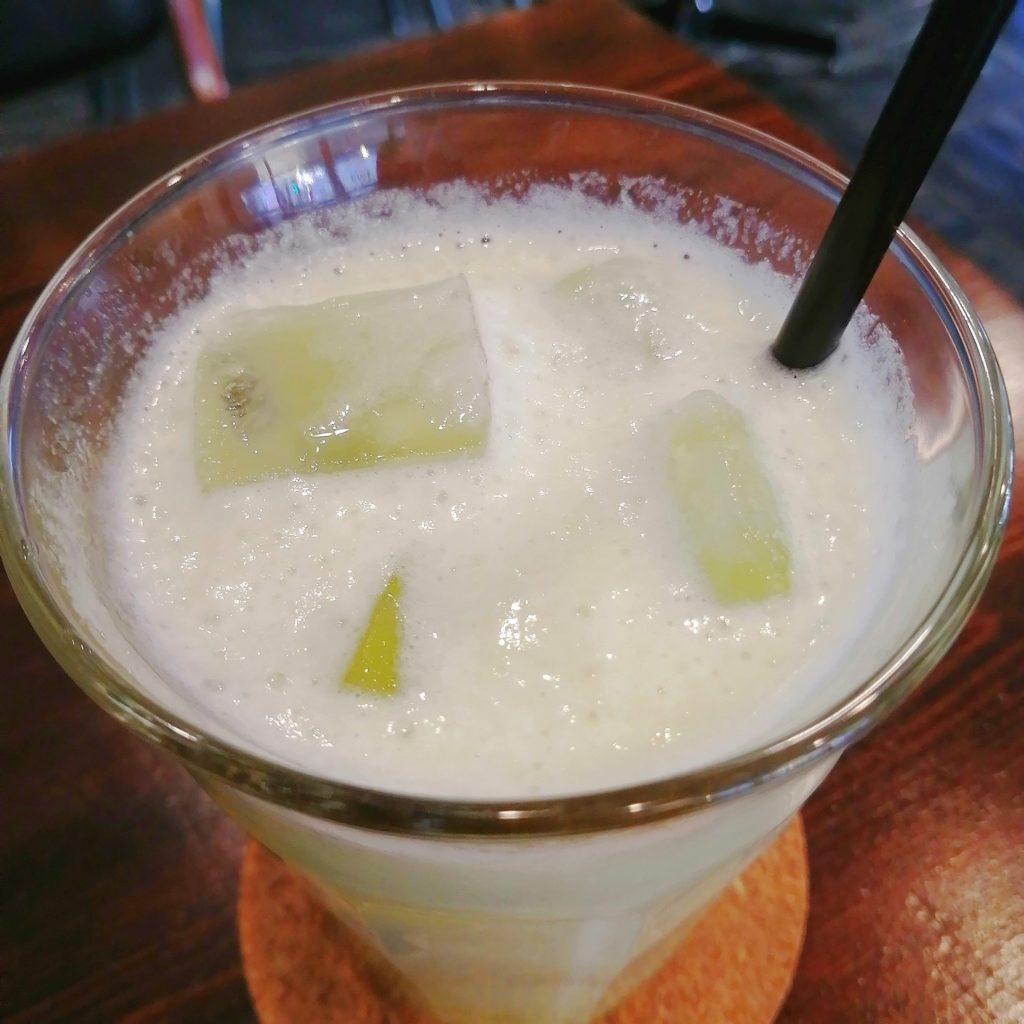 高円寺フルーツジュース「果樹源」メロンジュースのアップ