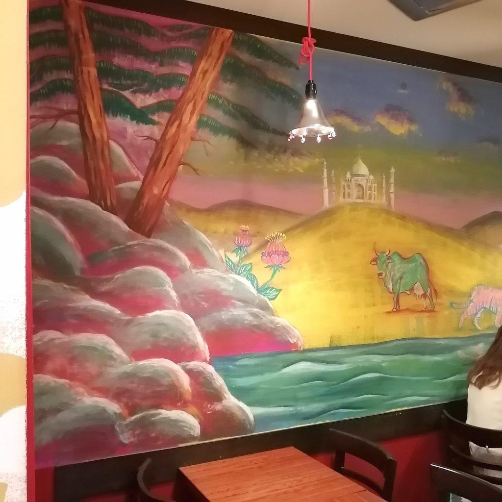 高円寺カレー「ネグラ(妄想インドカレー)」壁面画