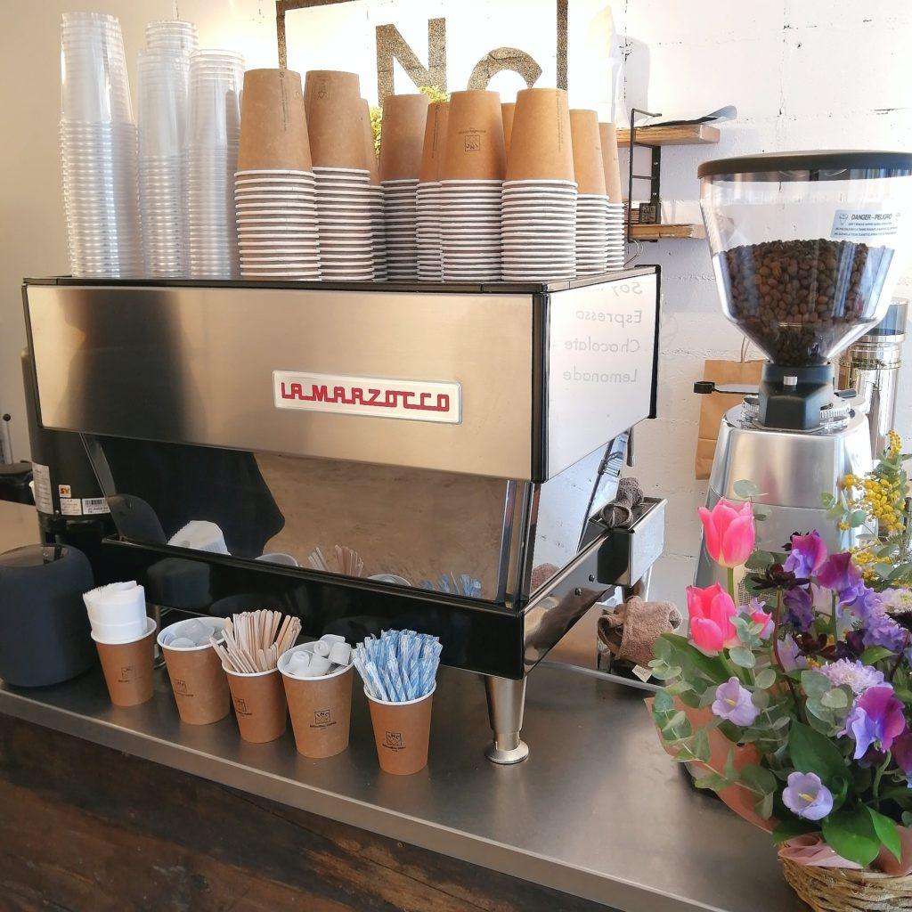 高円寺コーヒー「INCredible COFFEE(インクレディブルコーヒー)」エスプレッソマシン