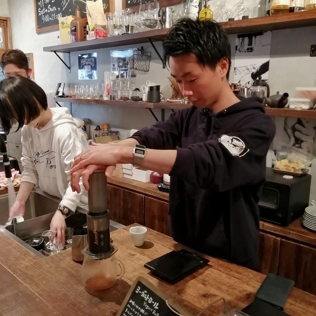 高円寺コーヒースタンド「Porta COFFEE STAND」2周年祭・エアロプレス抽出