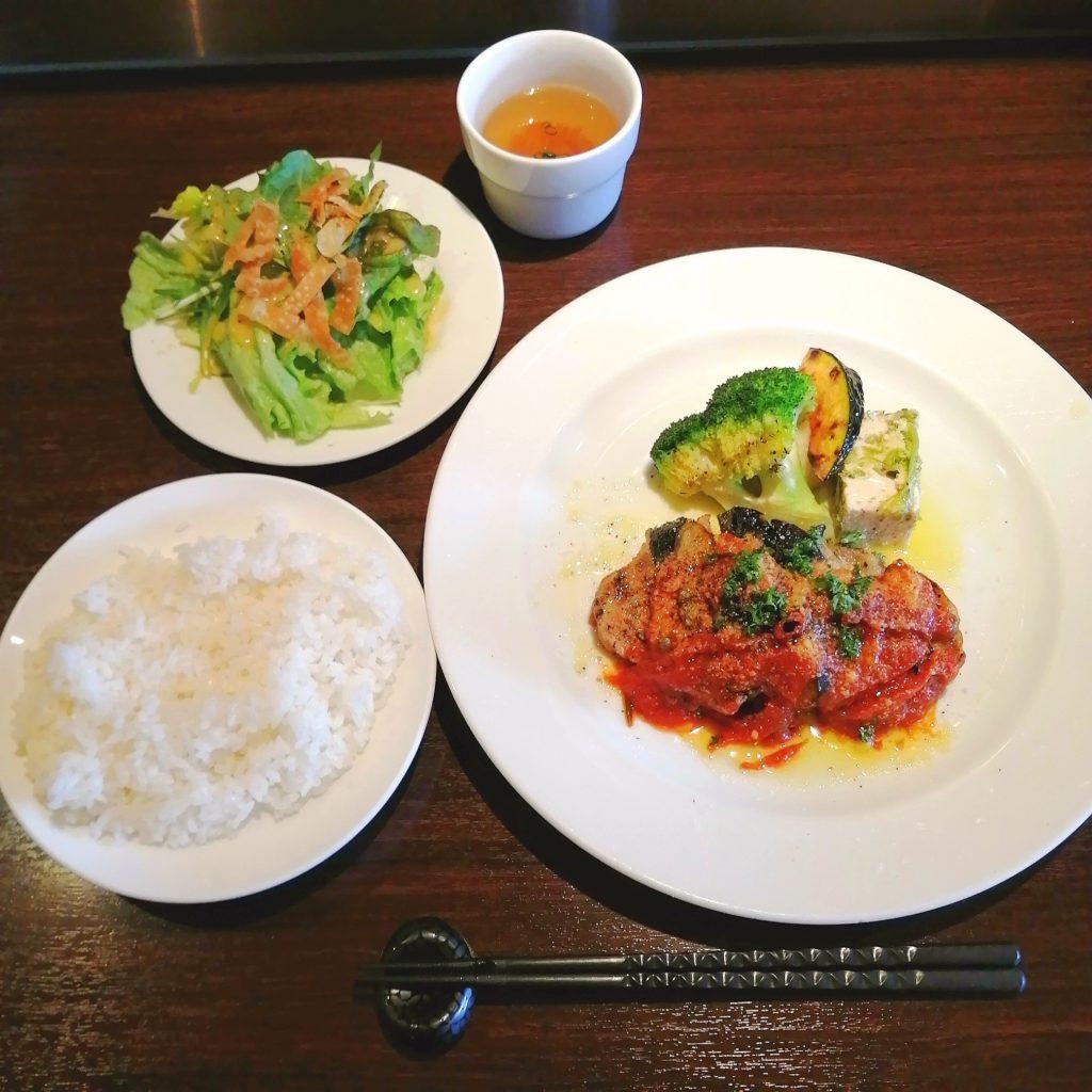 高円寺イタリアン「bungo(ブンゴ)」豚ロース肉のグリル 茄子のアラビアータソース・セット
