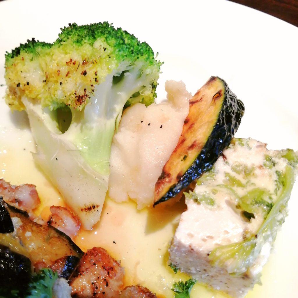 高円寺イタリアン「bungo(ブンゴ)」豚ロース肉のグリル 茄子のアラビアータソース・付け合わせ