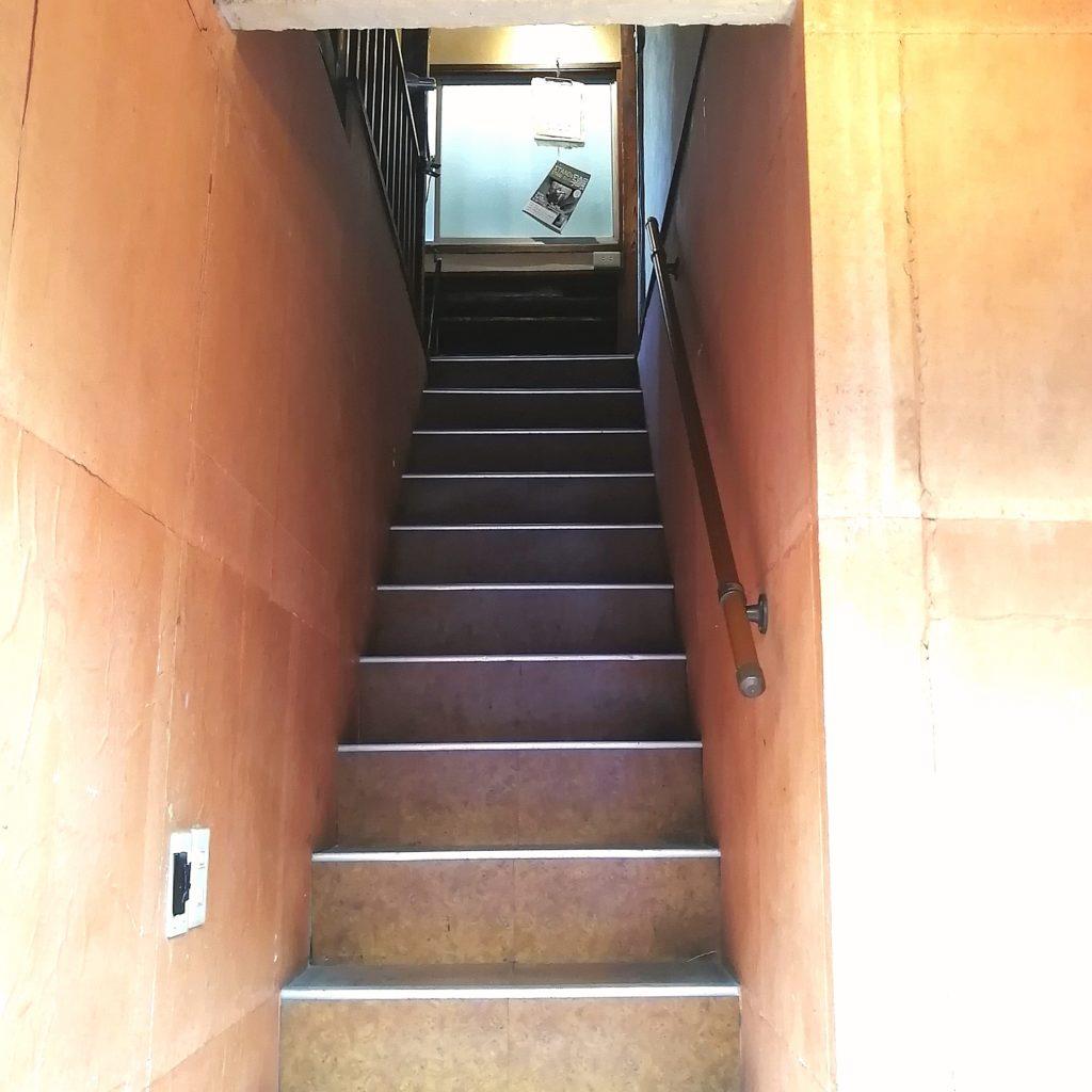 高円寺カフェ「leaven(レヴン)」階段
