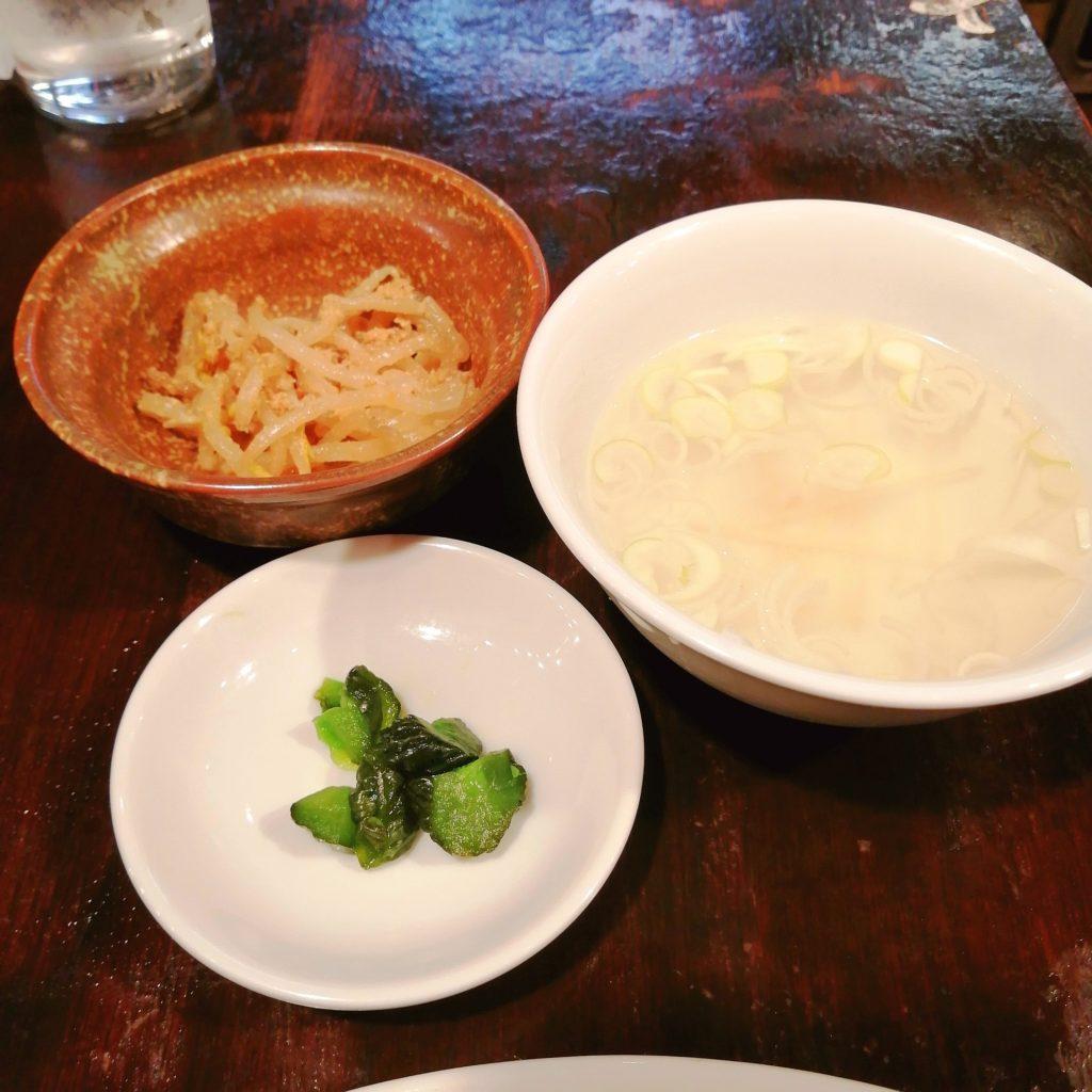 高円寺餃子「丸山餃子製作所」餃子ランチのスープと小鉢