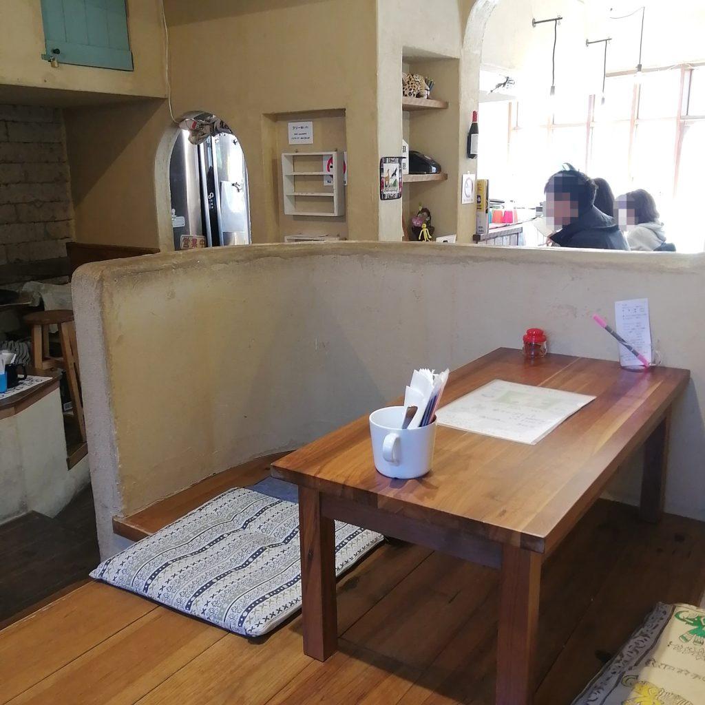 高円寺カレー「月曜スリランカカレー」716acfe・小上がり席