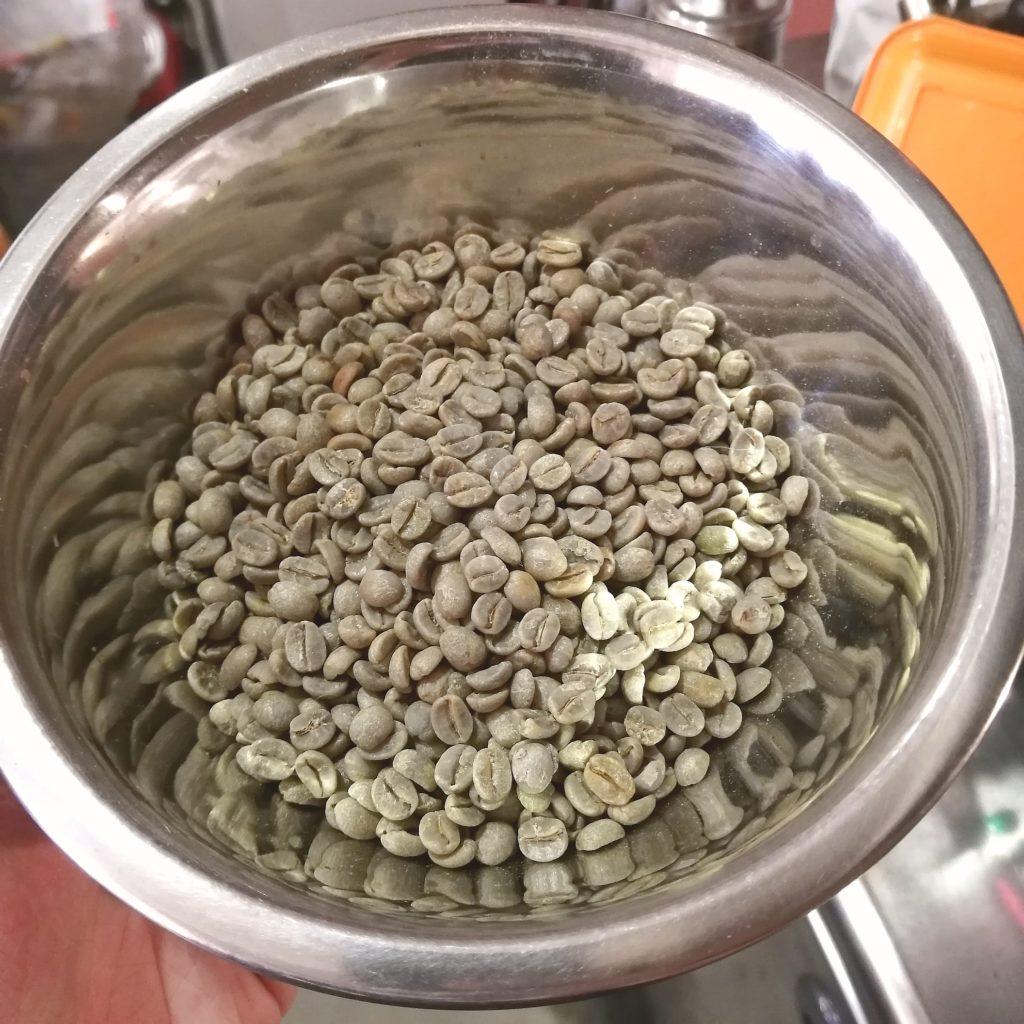 コーヒー焙煎「繁田珈琲焙煎倶楽部」今回焙煎する豆・ジアマンチーナヨシマツ2019