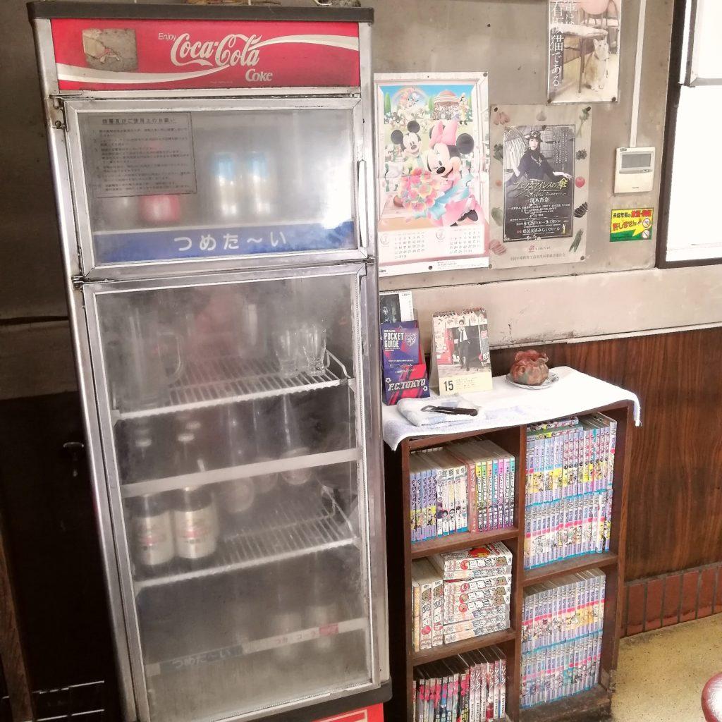 高円寺オムライス「七面鳥」ビールの冷蔵ケース