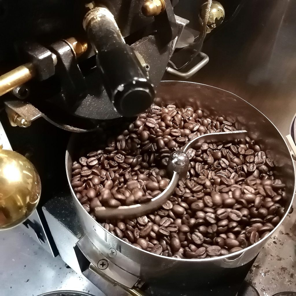 コーヒー焙煎「繁田珈琲焙煎倶楽部」ブラジル・ジアマンチーナヨシマツ2018・焼き上がり