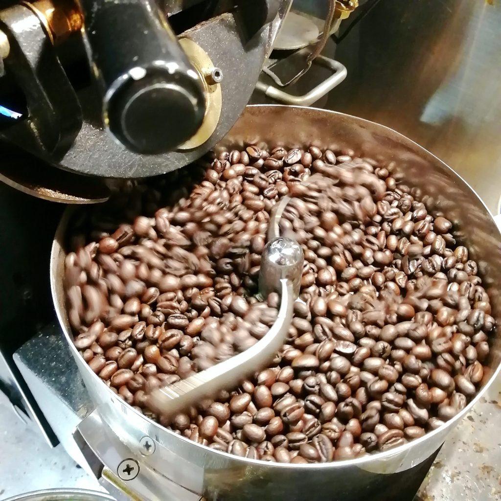 コーヒー焙煎「繁田珈琲焙煎倶楽部」ブラジル・ジアマンチーナヨシマツ2019ピーベリー・焼き上がり