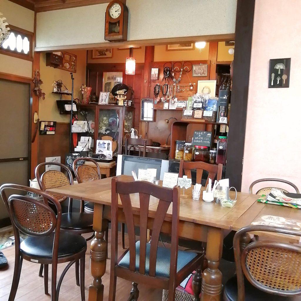 高円寺カフェ「こころみ」店内