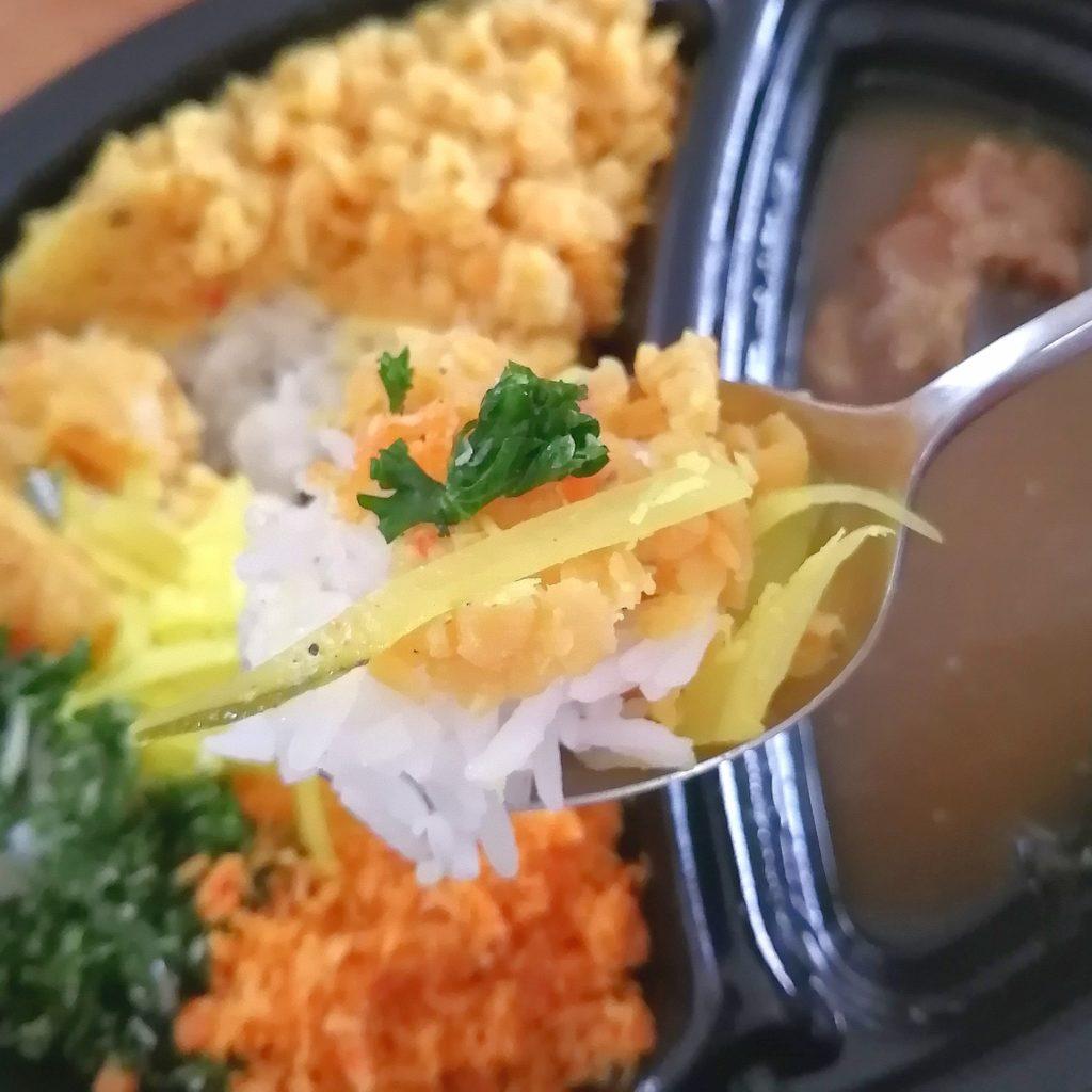 高円寺テイクアウトカレー「ピピネラ」・副菜の数々