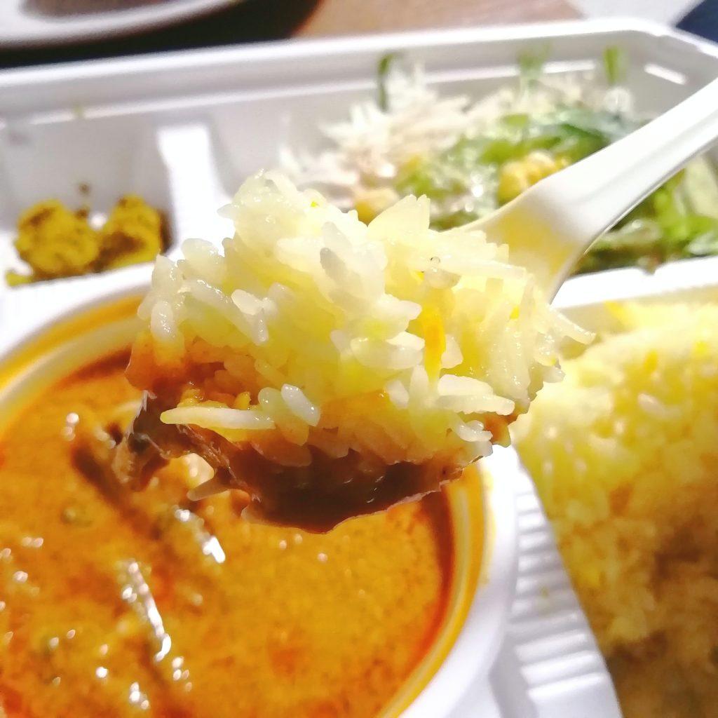 新高円寺テイクアウトカレー「サラムナマステ」カレーB弁当・ミックス野菜カレーをライスで