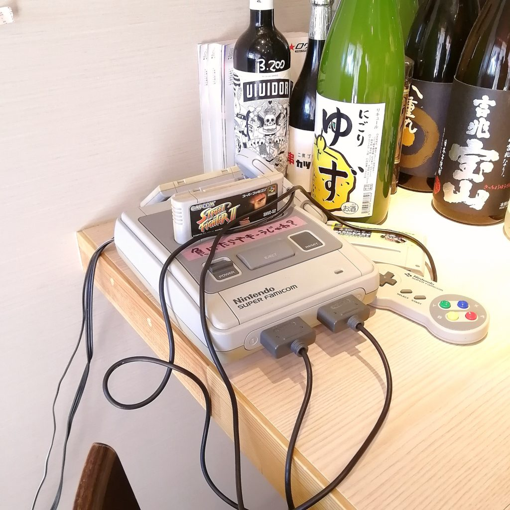 高円寺テイクアウト丼「串カツビリー」店内・ゲーム機