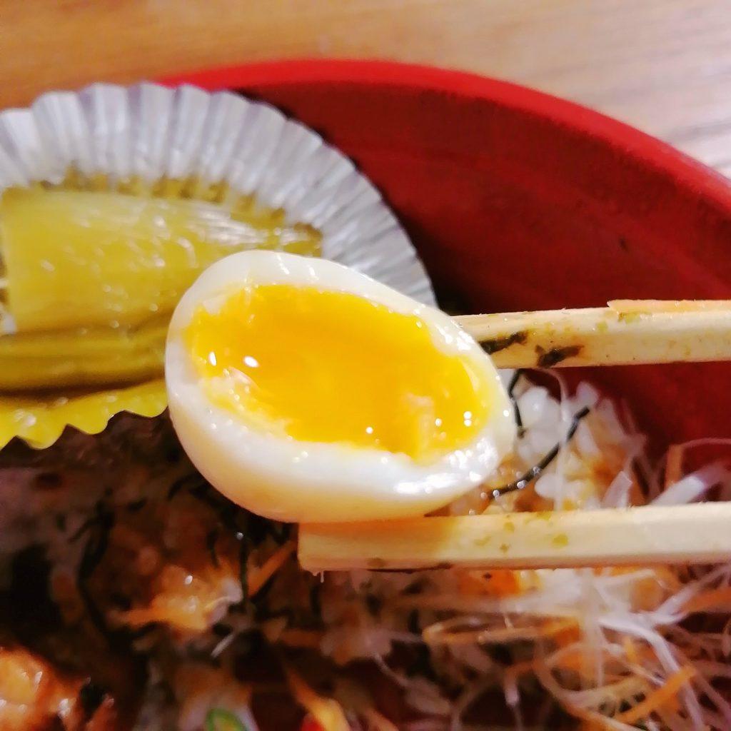 高円寺駅前テイクアウト「けむり」焼き鳥丼・半熟うずら