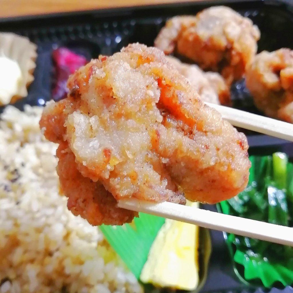 高円寺テイクアウト「IIDE」塩麴漬け国産鶏の唐揚げ弁当・唐揚げ