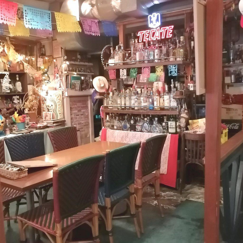 高円寺テイクアウト「ロホ アミーゴキッチン」店内