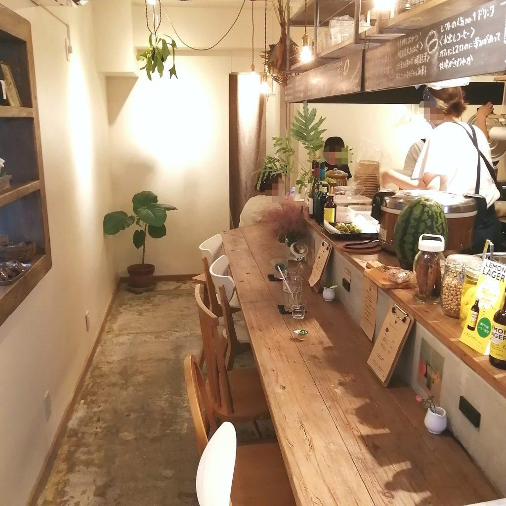 高円寺テイクアウト「レクトサンドカフェ」店内