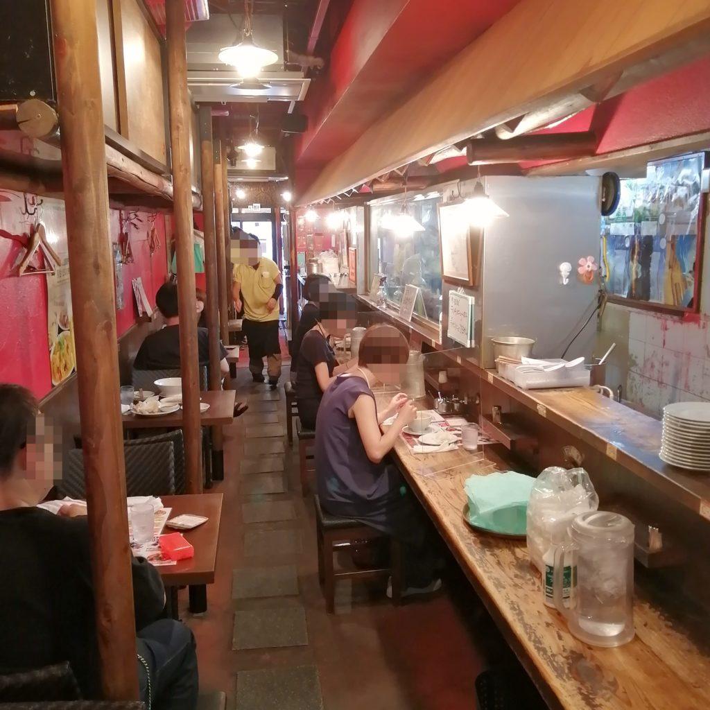 高円寺タイ料理テイクアウト「バーンイサーン」店内