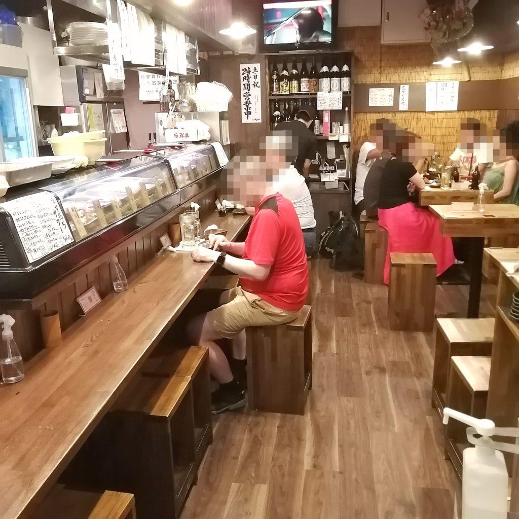 高円寺テイクアウト「焼鳥博多や」店内