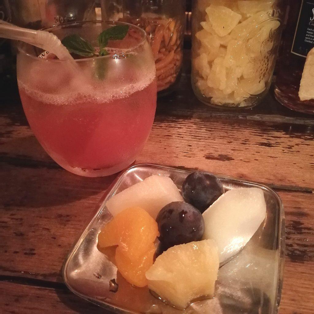高円寺バー「Bar Tail」果物