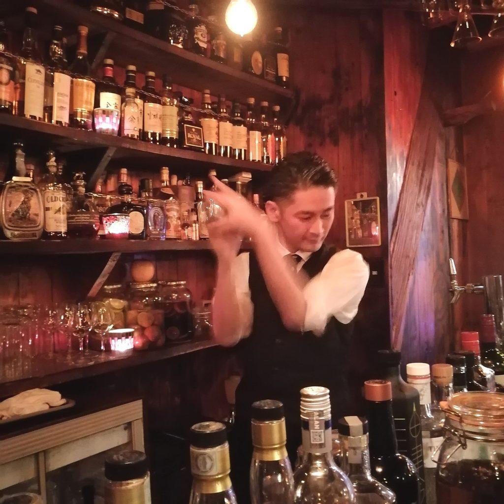 高円寺バー「Bar Tail」バーテンダー松本さん