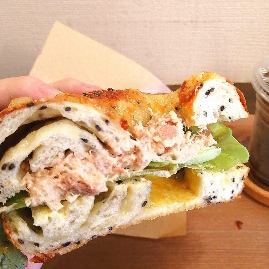 新高円寺ベーグル「えび寿ベーグル」ツナサラダのごまチーズベーグルサンドを実食