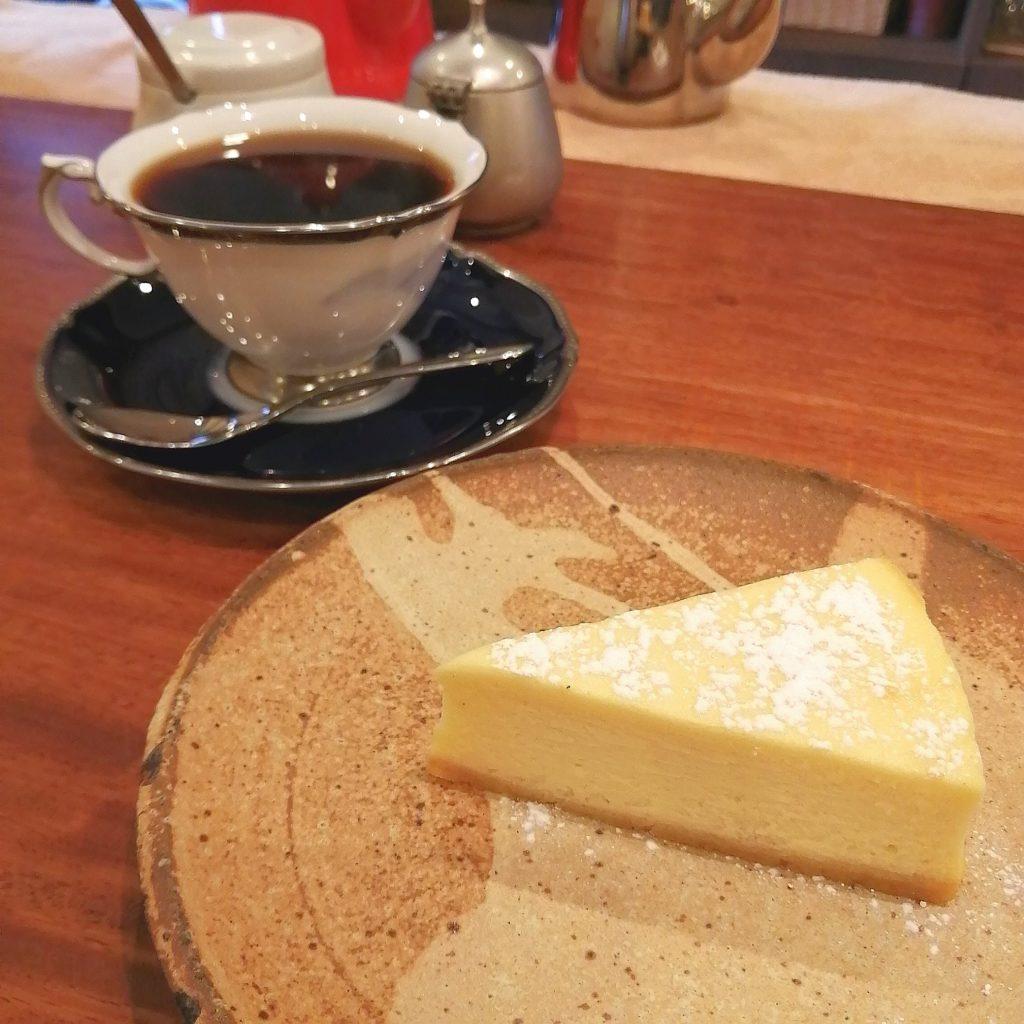 大阪箕面コーヒー「廣屋珈琲店」コーヒーとチーズケーキ