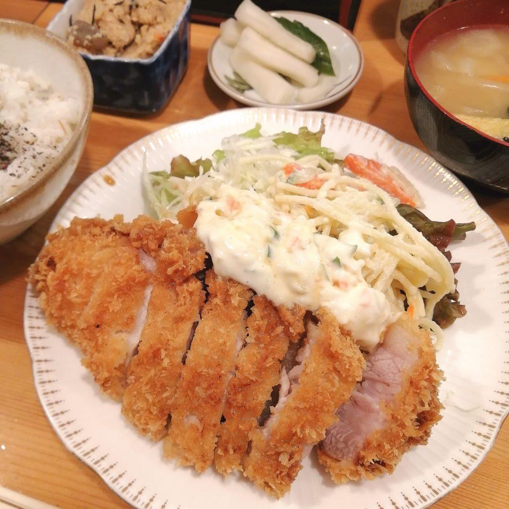 高円寺定食屋「門一」特とんかつ定食