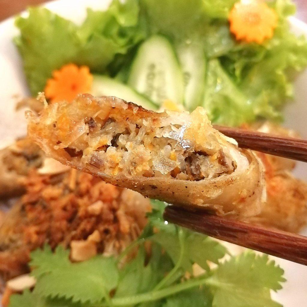 高円寺ベトナム料理「マイヒエン」揚げ春巻きのせビーフン麺・揚げ春巻き実食
