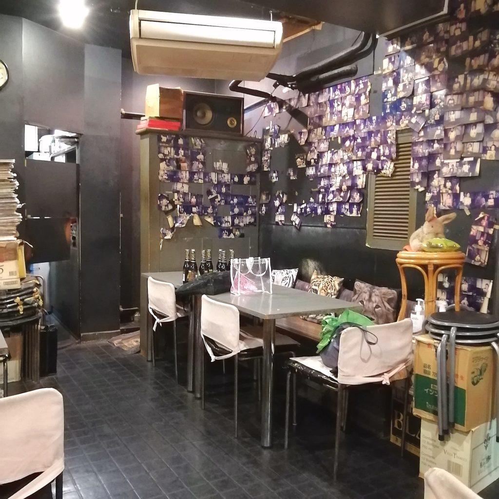 高円寺アジア料理「バーミィー」店内