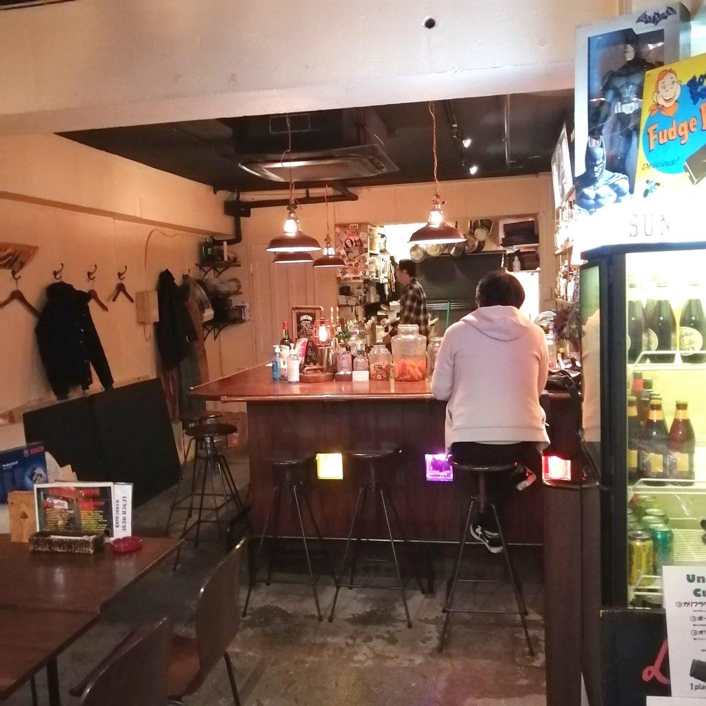 高円寺バー「Bar Light」店内