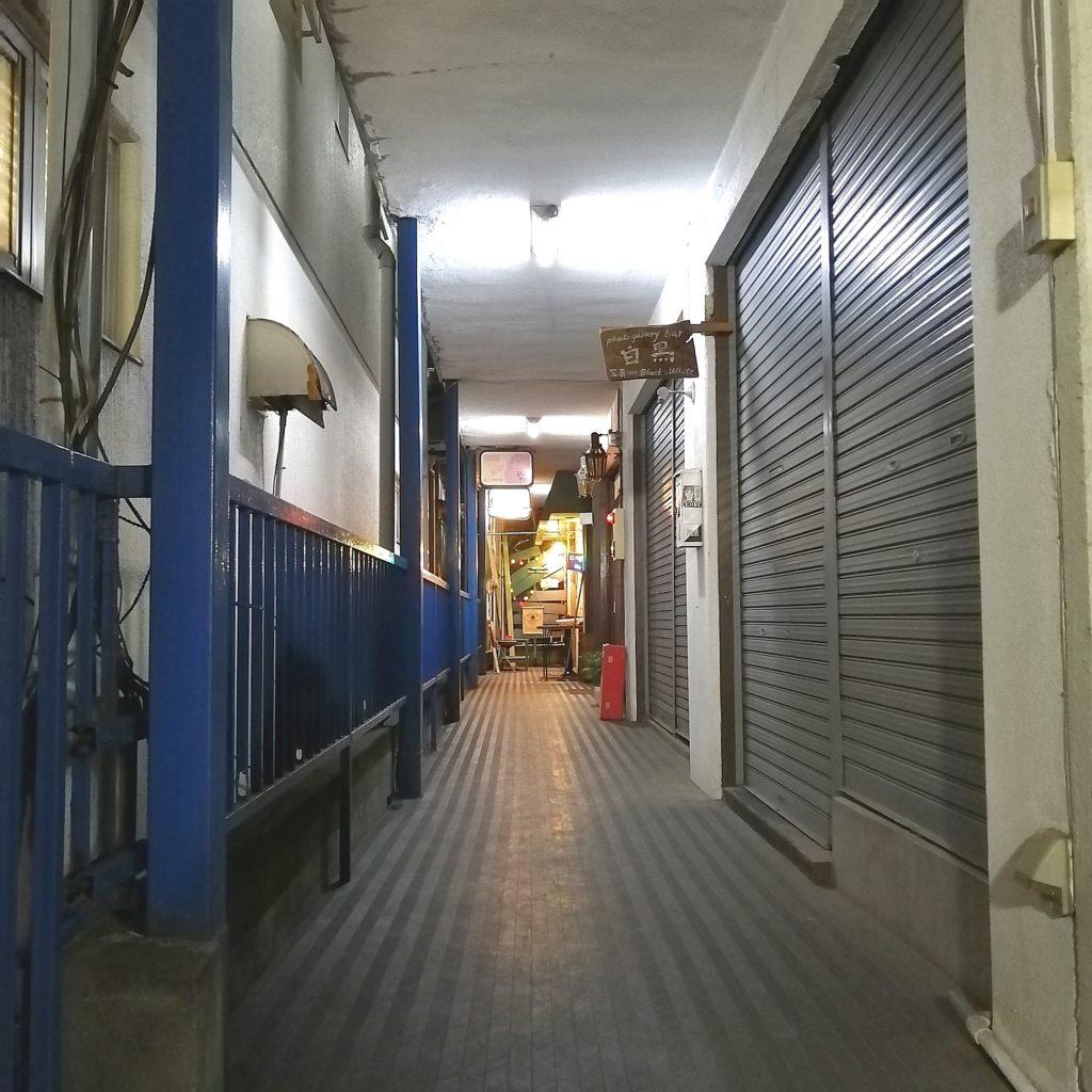 高円寺カフェ「トラゲット」お店への通路