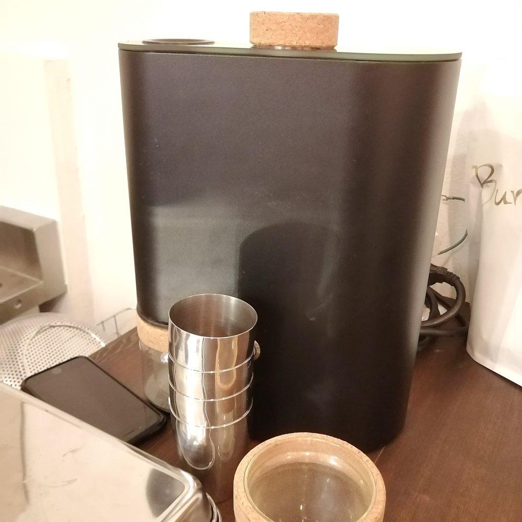 高円寺カフェ「MÖWE COFFEE ROASTERS(メーヴェコーヒーロースターズ)」サンプルロースターikawa pro