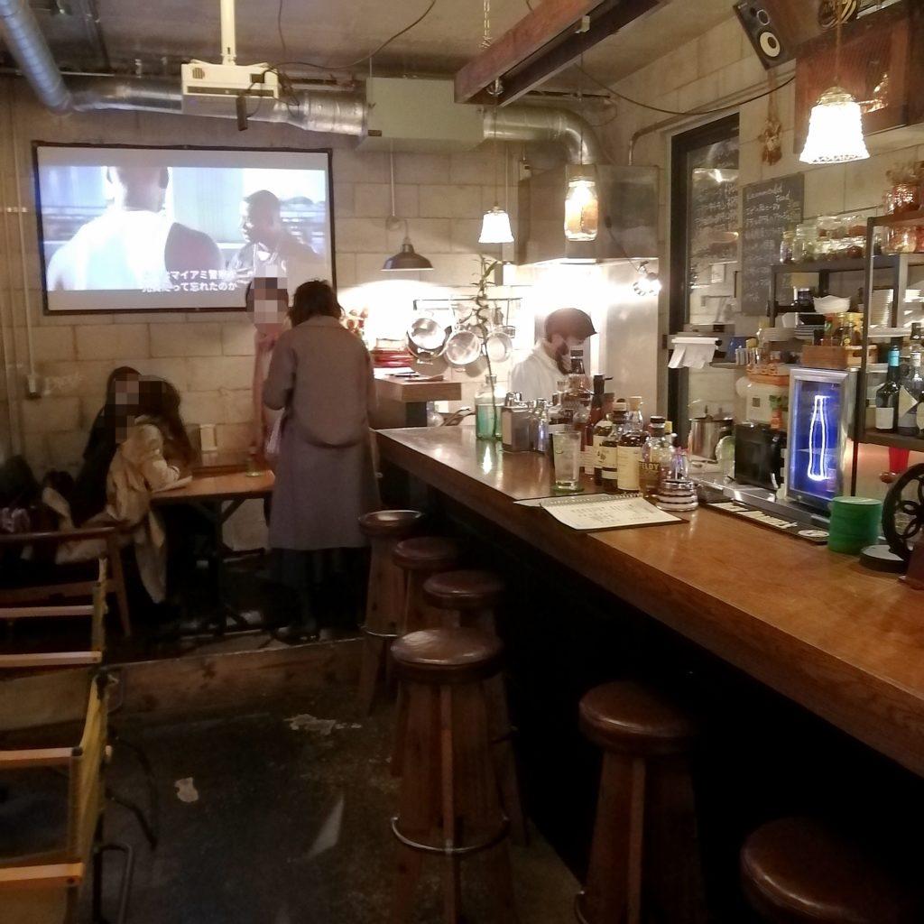 高円寺ハンバーガー「BAR JAM」店内