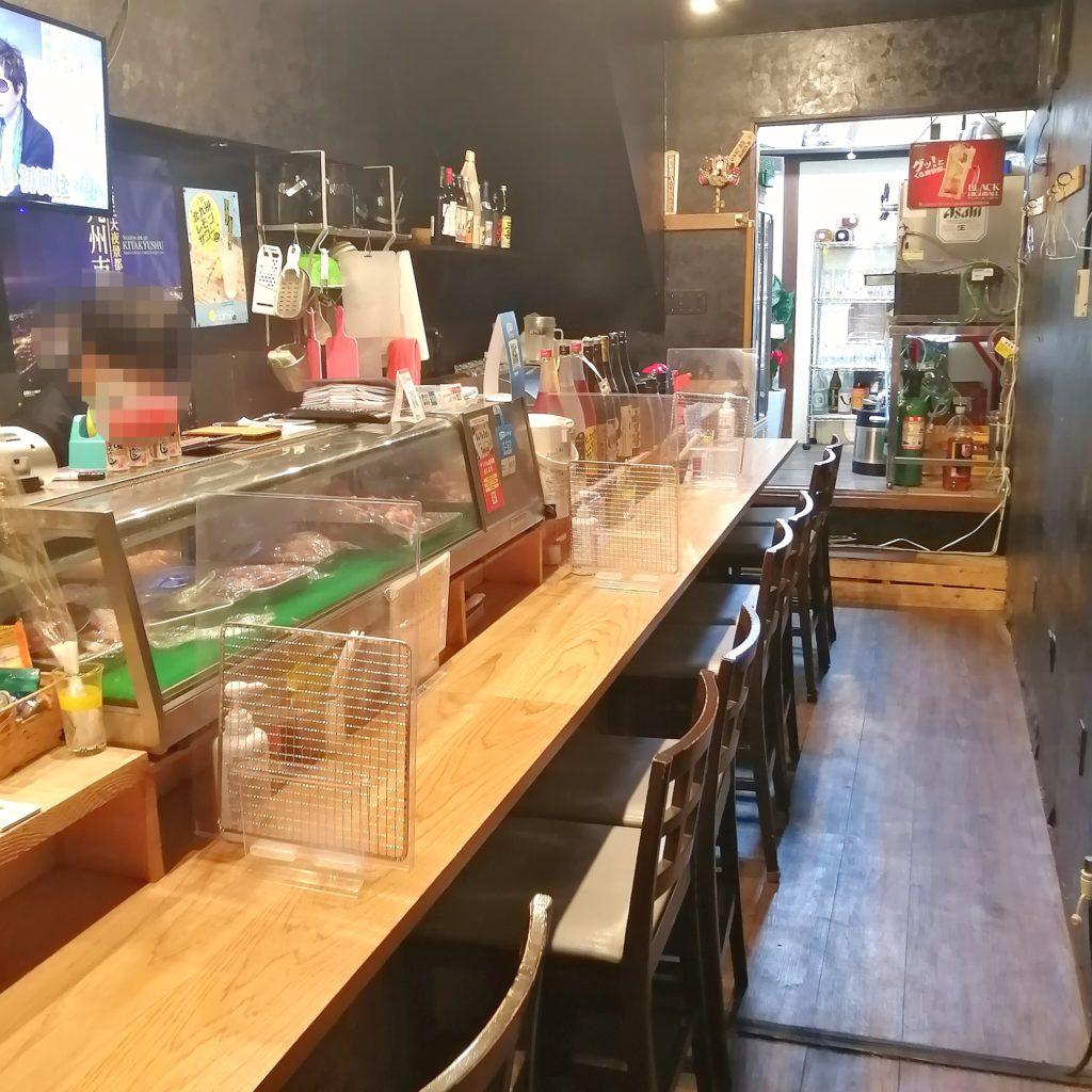 高円寺焼き鳥「北九州鶏処 笑まる」店内