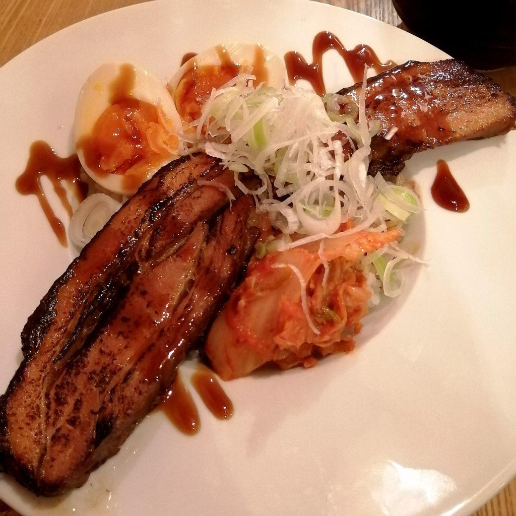 高円寺丼「串ノ眩(くしのまぶろ)」自家製・厚切り 炙り焼き豚丼