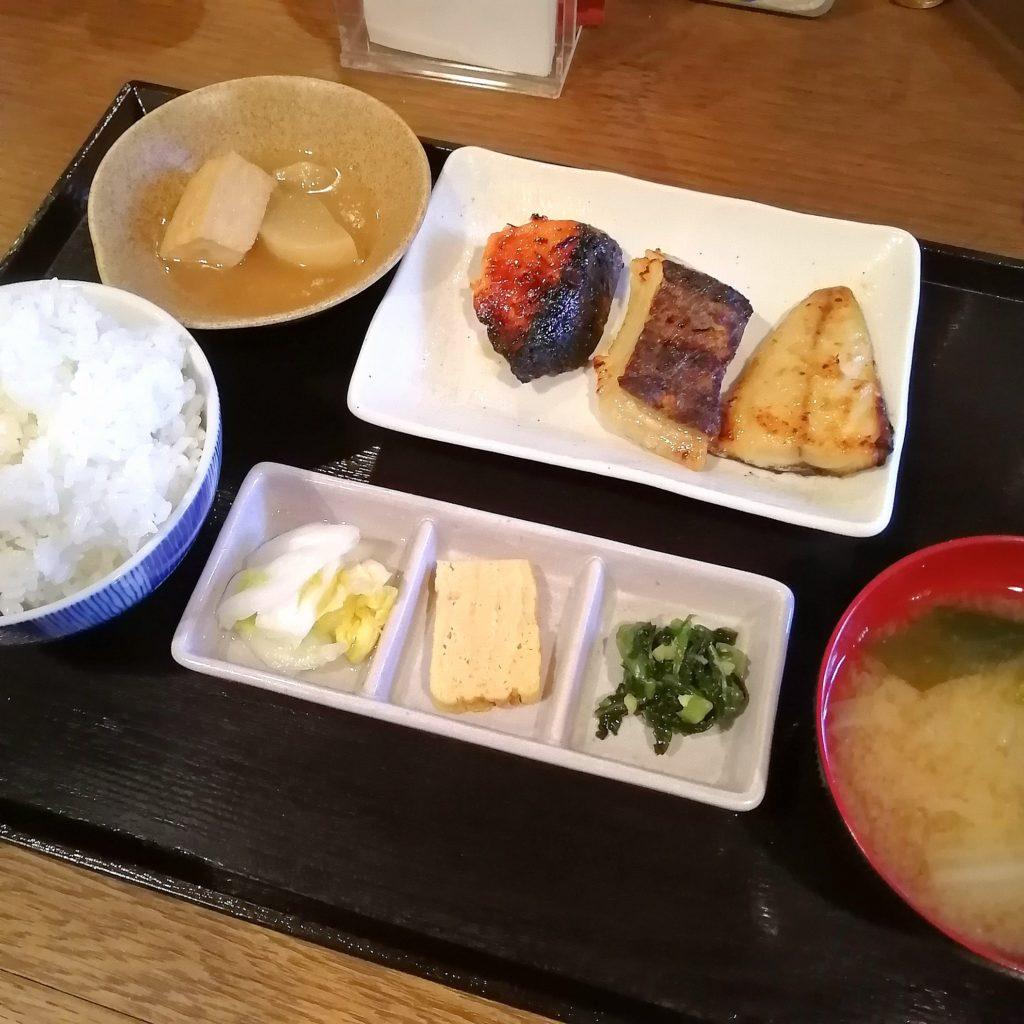 新高円寺定食「魚き食堂」3店盛り定食