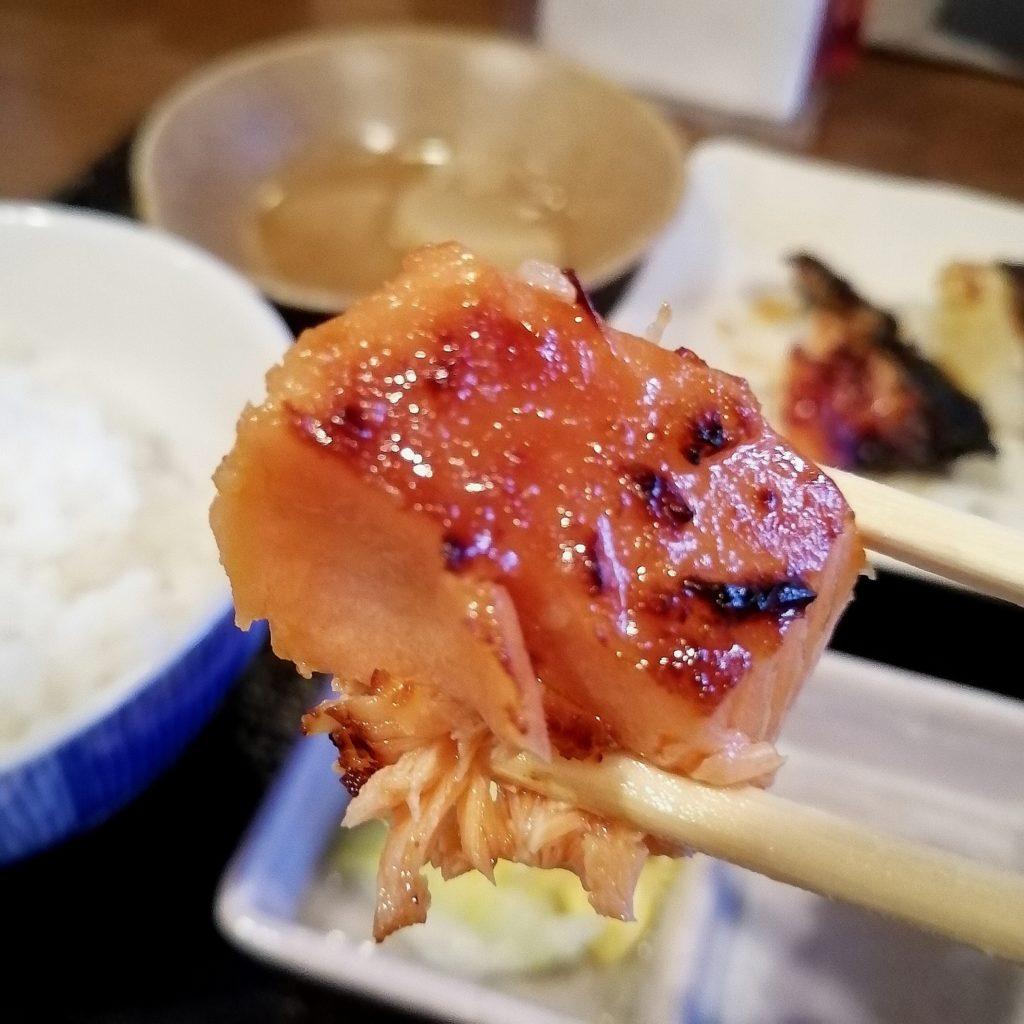 新高円寺定食「魚き食堂」3店盛り定食・銀鮭