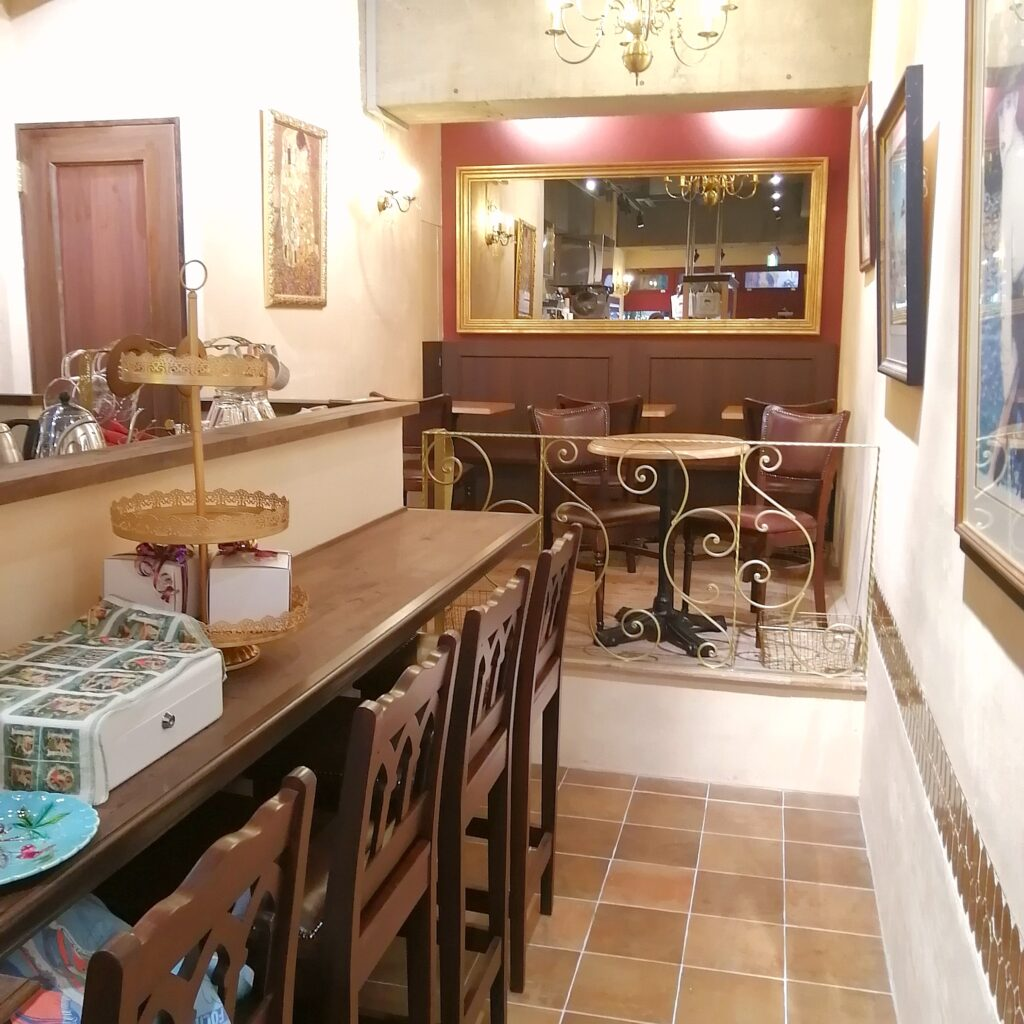 高円寺カフェ「Café de Nicole」店内